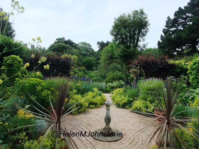 Mrs Winthorp's Garden, Hidcote